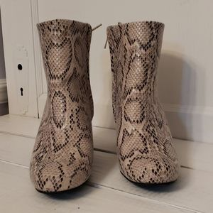 Like new snake print ankle boots